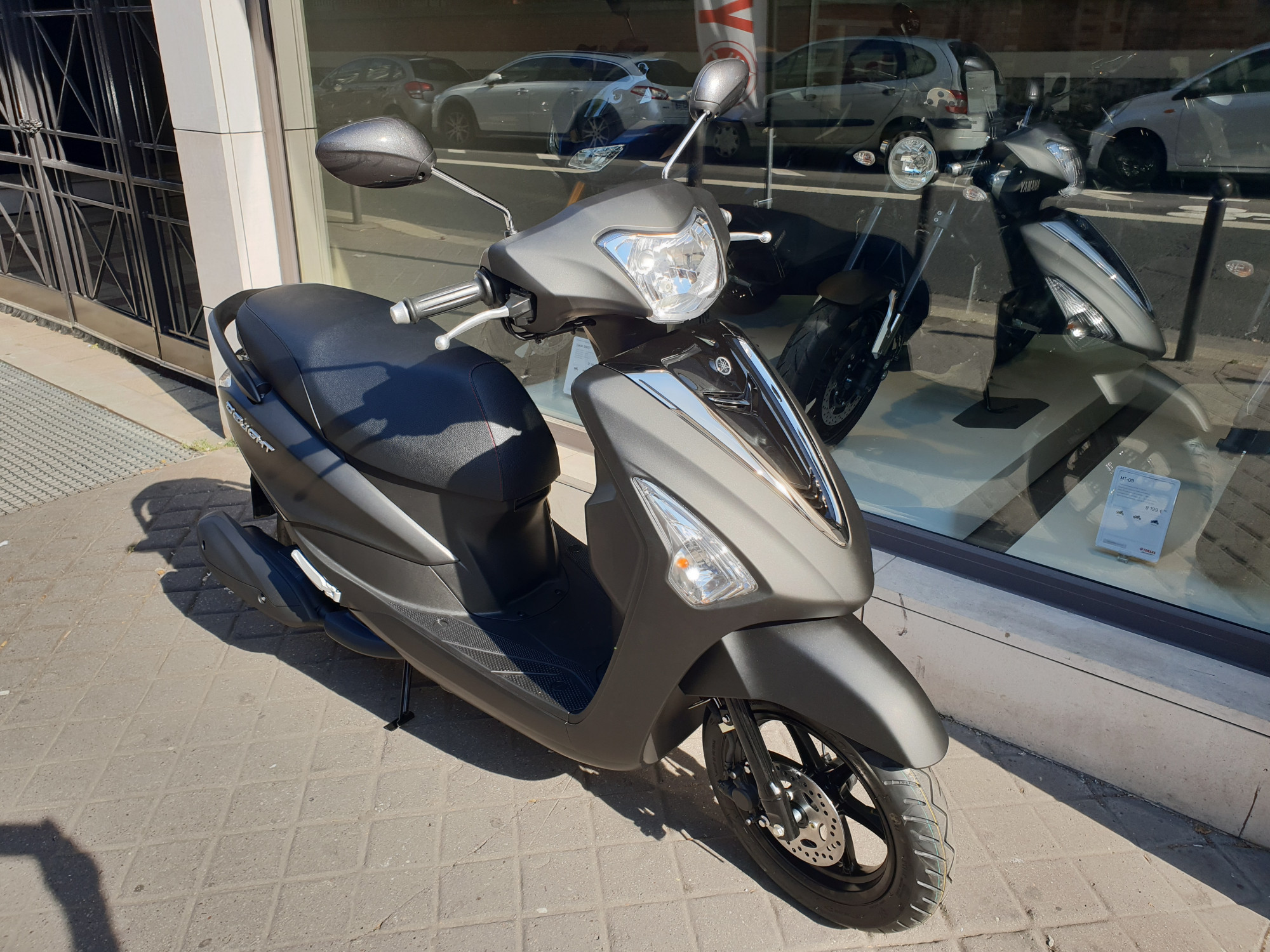 photo de YAMAHA D'ELIGHT 125 occasion de couleur  en vente �  Paris 15