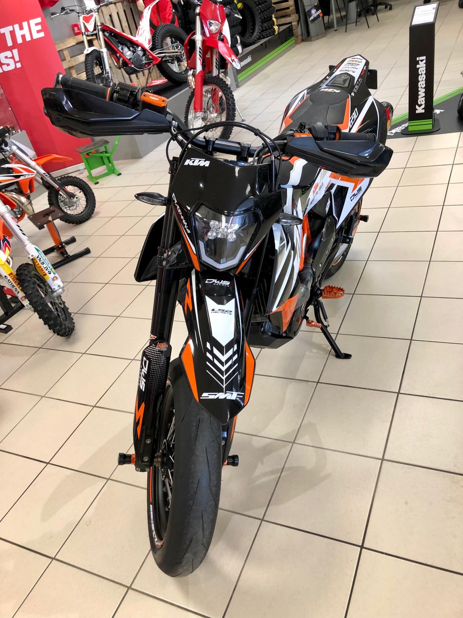 photo de KTM 690 SMC R 690 occasion de couleur  en vente �  Chenove
